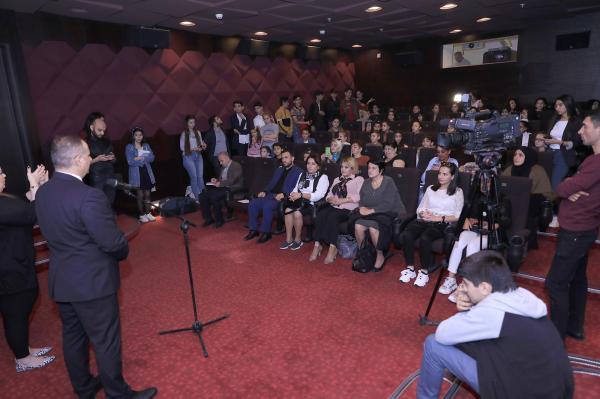 """""""Bir qalanın sirri"""" filminin surdo-tərcümə vasitəsilə nümayişi keçirilib"""